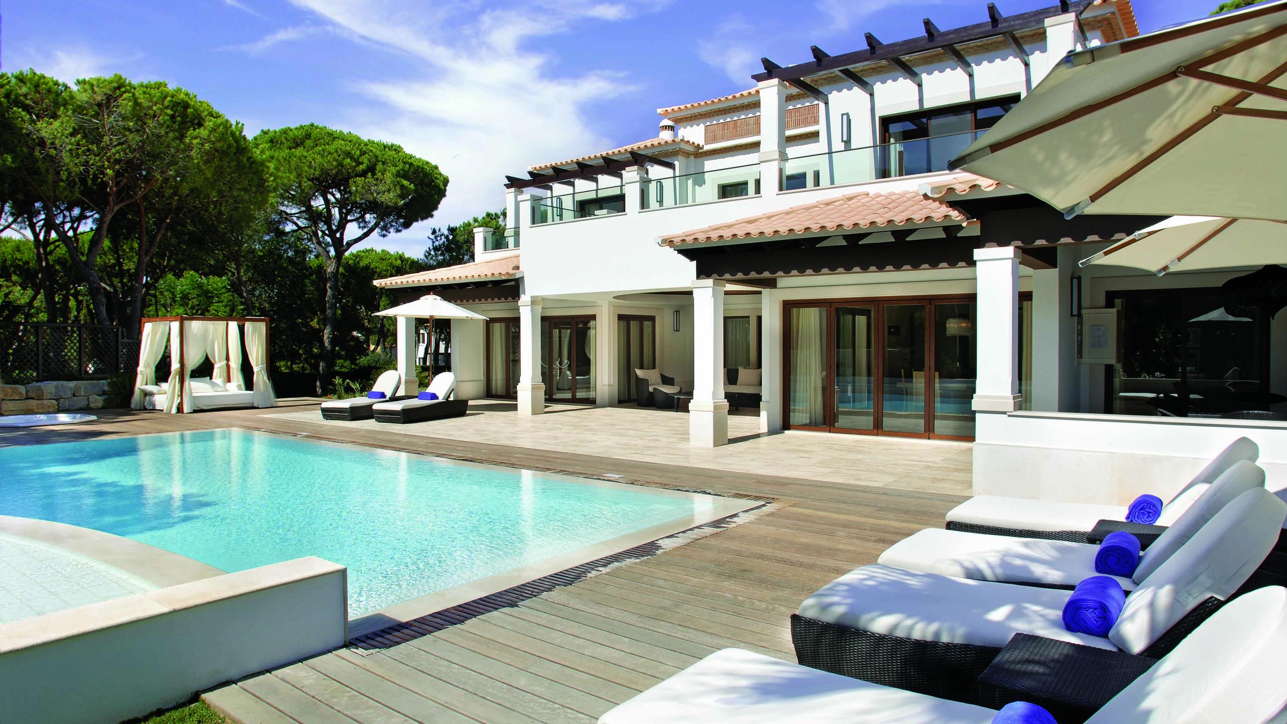 Deluxe villas villas pine cliffs for Villa de luxe moderne